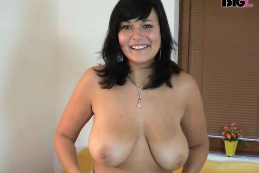 Aufgestrapst und Riesen Titten
