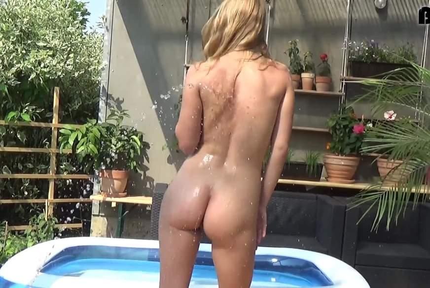 Posing mit Wasserschlauch