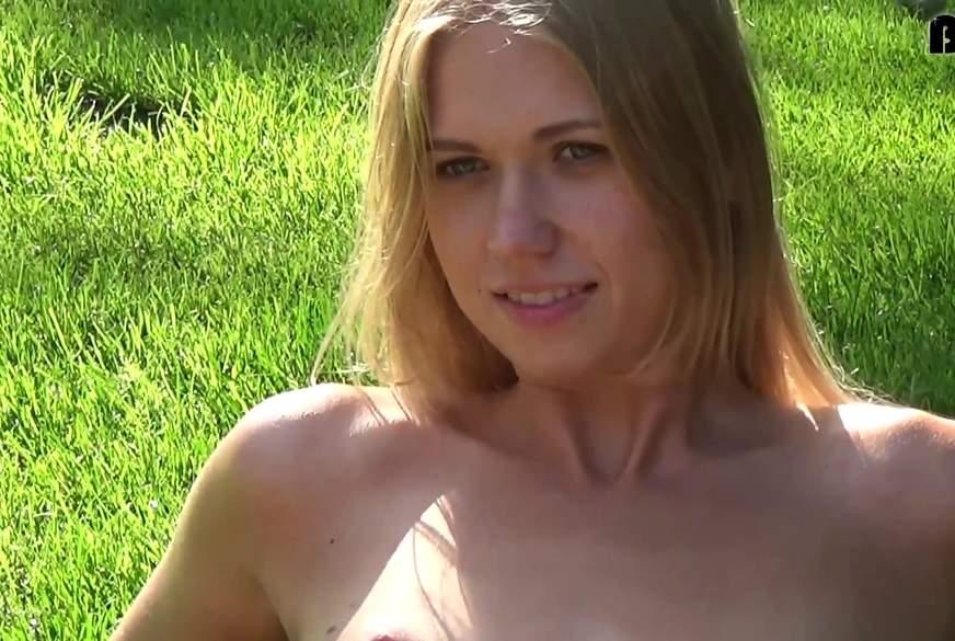 Nackt auf dem Golfplatz