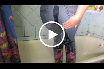 kukolka: zwei nasse Jeans