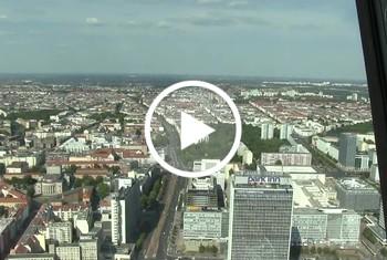 Popp-Sylvie: Berlin - Im Fernsehturm gepisst