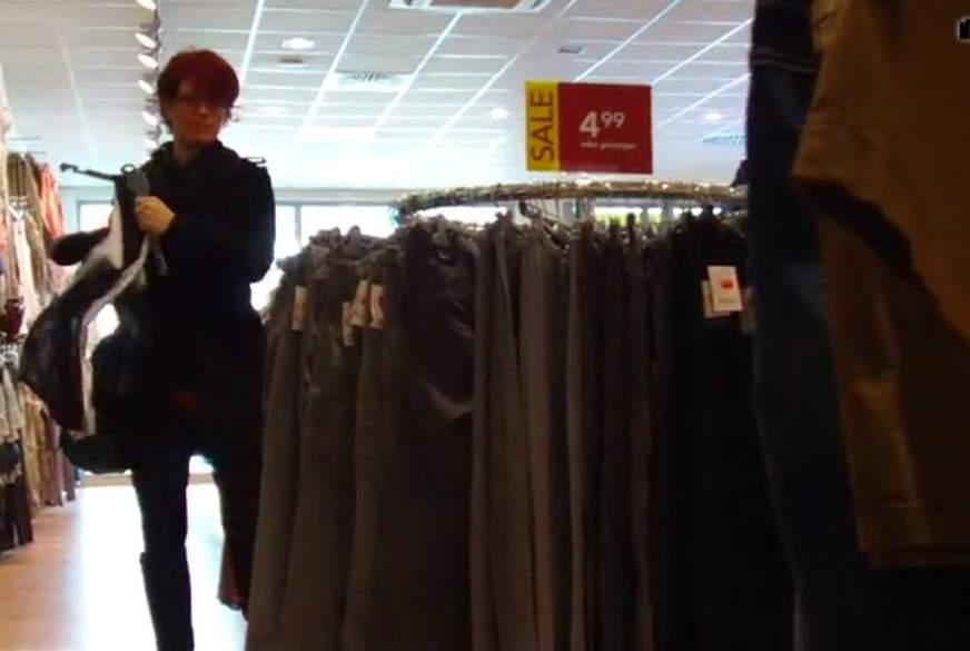 B*****b beim Shoppen
