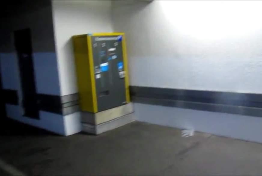 Im Parkhaus g******n und v***********t
