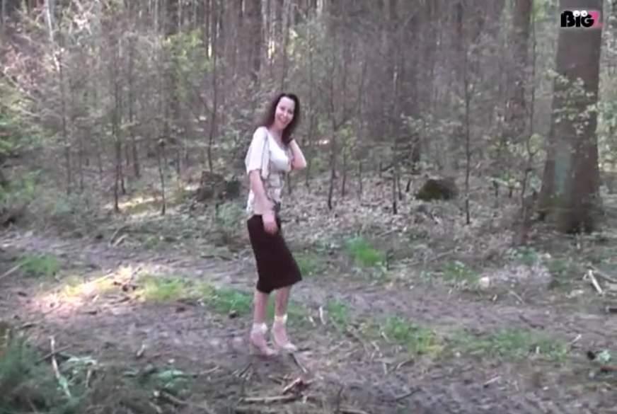 Im Wald a*******t