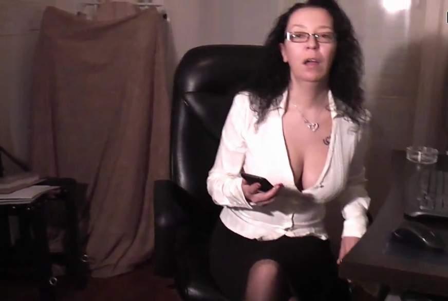 Die A**l Sekretärin