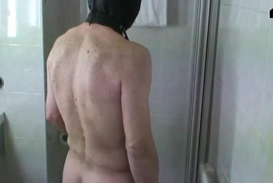 Erst gemeinsam duschen