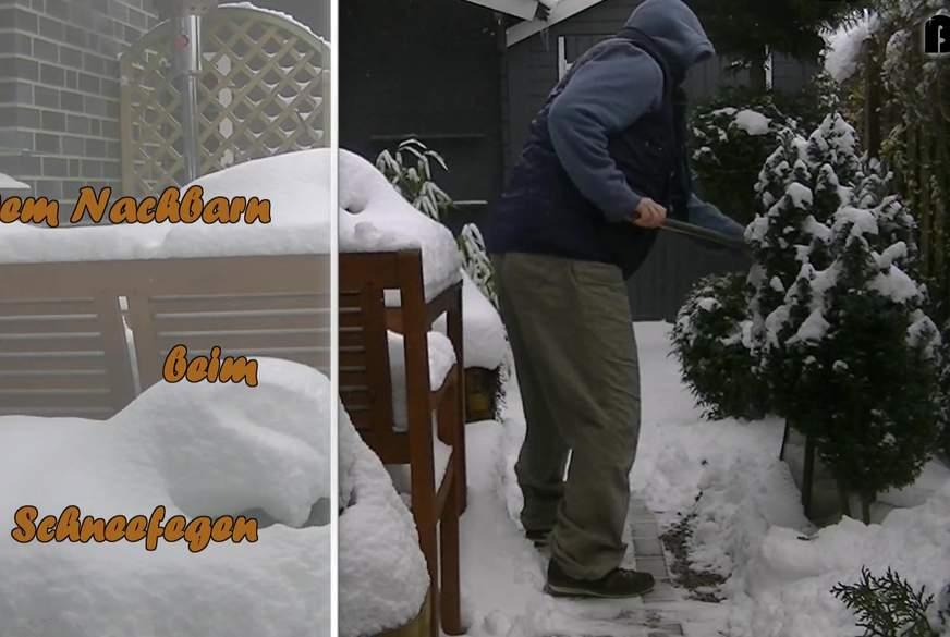 Dem Nachbarn beim Schneefegen einen g******n