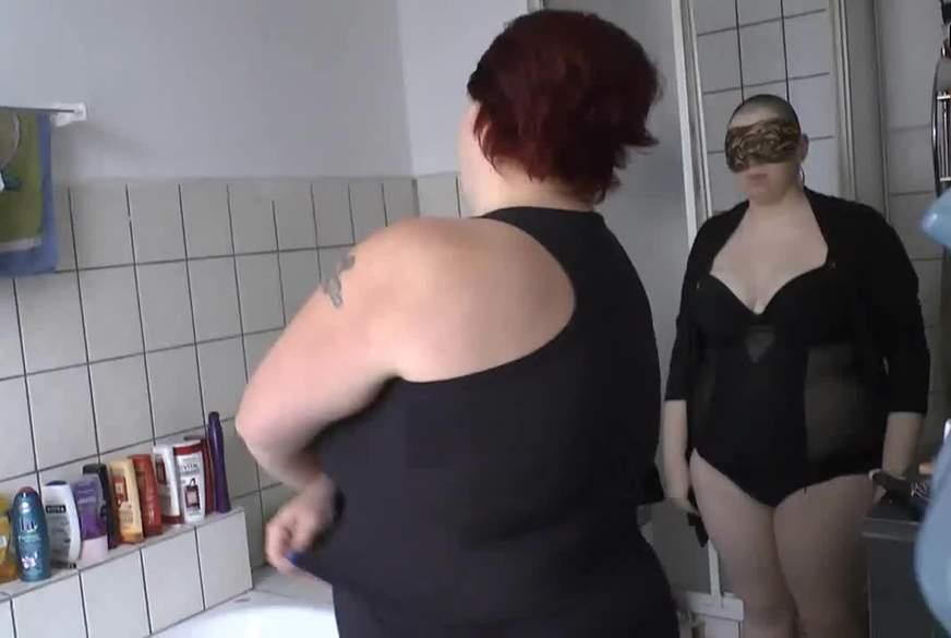 Freundin wäscht meinen Body 1