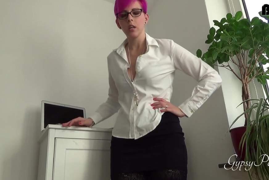 Deine Sekretärin zieht blank