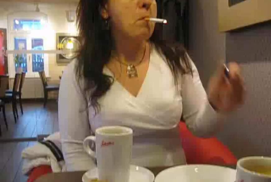 Frivol im Cafe