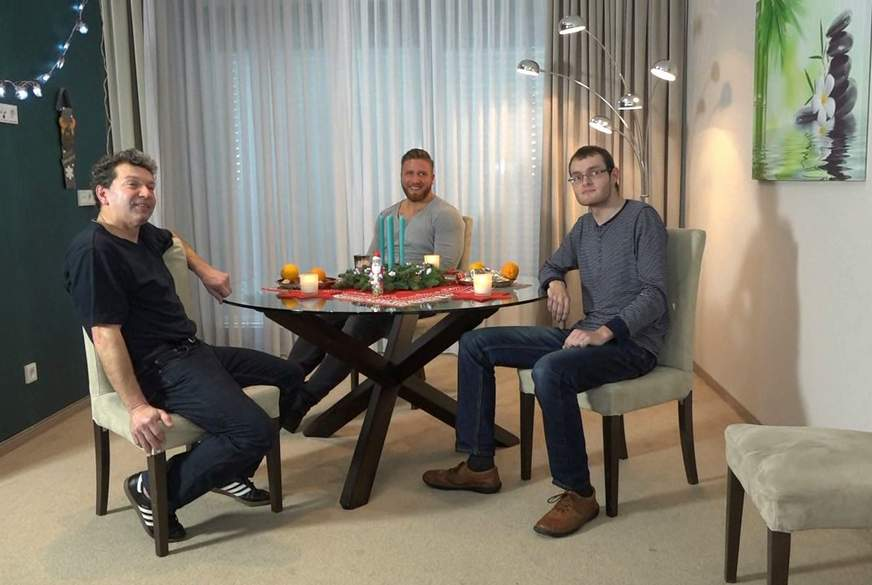 Drei geile Nikoläuse verführen User