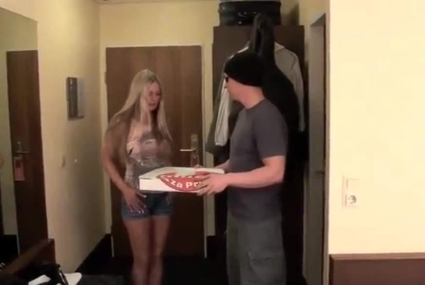 Pizzaboten im Hotel g*****t
