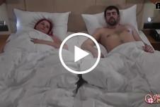 Ein geiles Erwachen! Morgenfick im fremden Bett