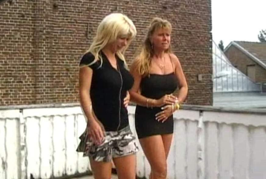 blonde P***e
