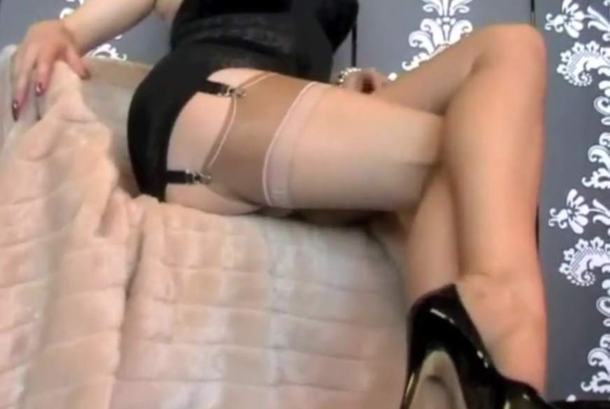 Nylon Legdoll - Footfetish- Dirty Talk!