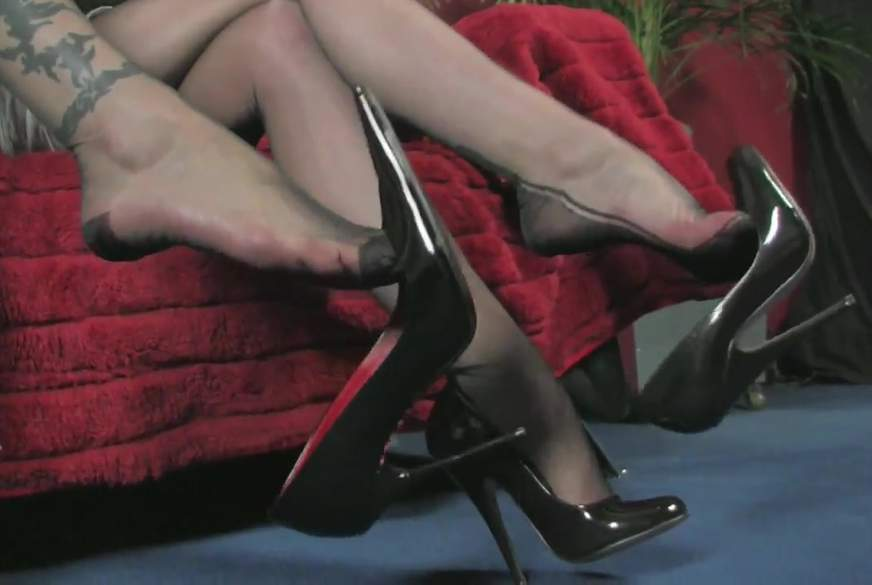 Lady High Heels Dangling in Rattenscharfen Büropumps!