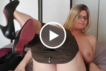 Download: MadameLulu - Das erste Mal Strippen vor der Kamera