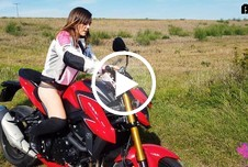 Die immergeile und nasse Motorradfotze