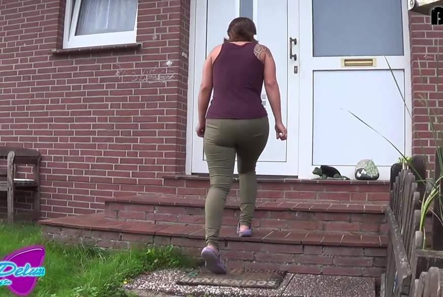 NS-Fetisch #41 - Vor der Haustür