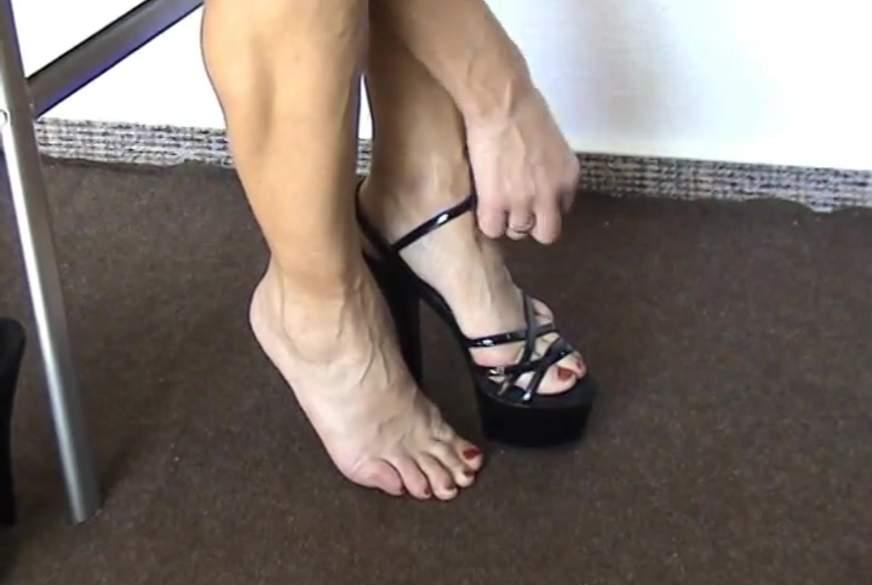 Geile Beine in High-Heels 11cm