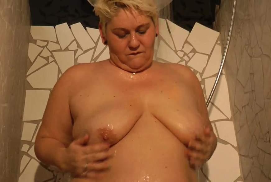 Heiße Dusche mit pinkem Freund :-)