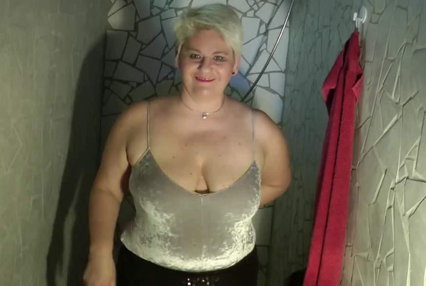 Megap****l in der Dusche