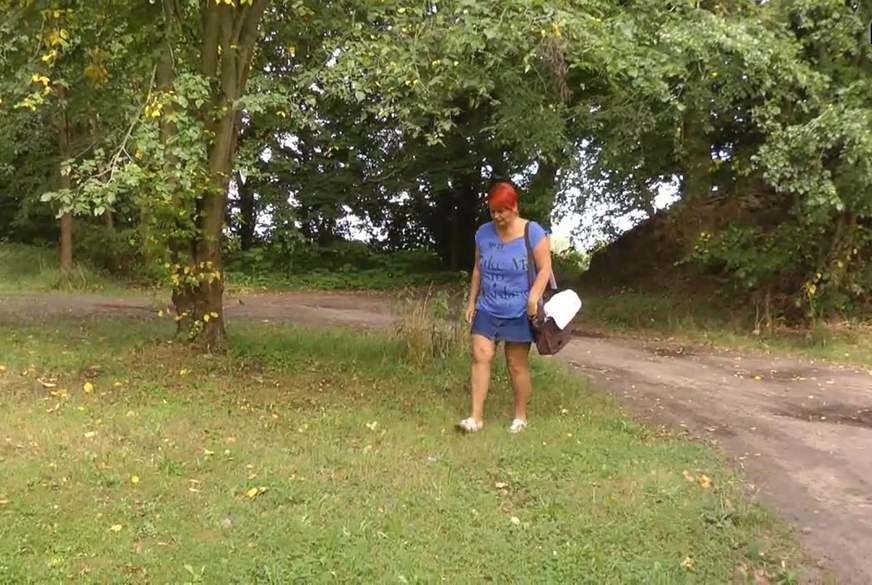 Kurzes Solo auf dem Waldparkplatz