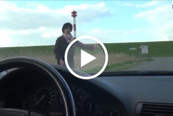 Geile Milftramperin mitgenommen u g*****t auf d Motorhaube