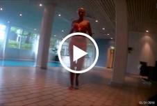 geiles girl bläst mir einen public am hotel pool