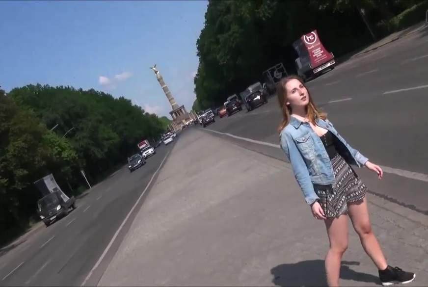 18 jähriges touri girl in berlin mit schwarzen kumpel im tiergarten g*****t