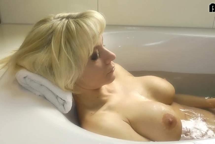 Mein D***o ist auch in der Badewanne dabei :)