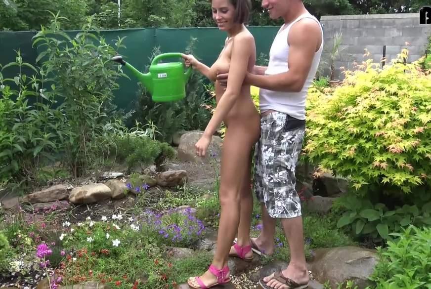 Drastische Unterbrechung der Gartenpflege!