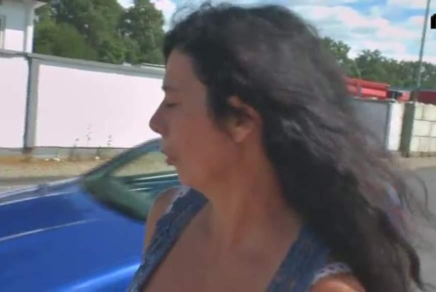 Vom Cabriofahrer aufgerissen und auf der Motorhaube vernascht