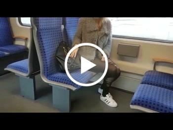 Vor der S****e!!! S-Bahn Quicky F**k