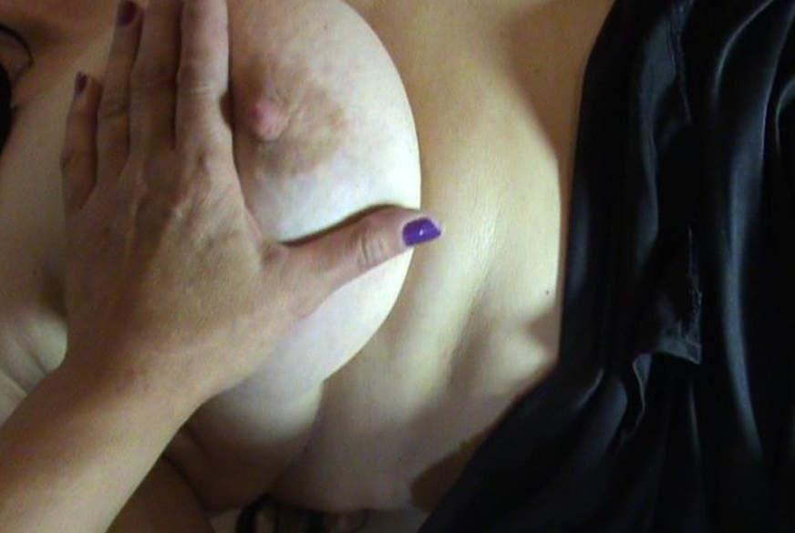 Geniesserin mit grossen Titten