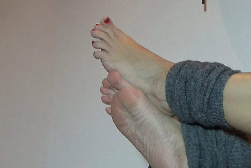c**kloving feet e1