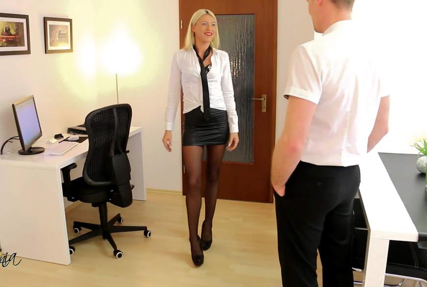 A**l ist Chefsache! Büro-A********e aufgerissen!