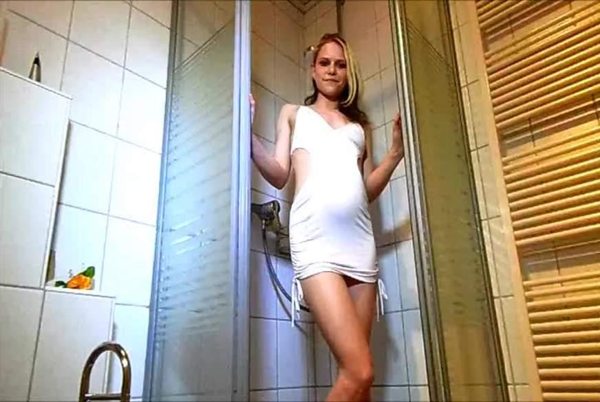 mit kleid duschen und p****n