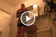 Blowjob auf der Frauentoilette