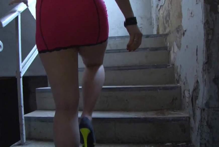 Upskirt, Heels und Nippelflashing