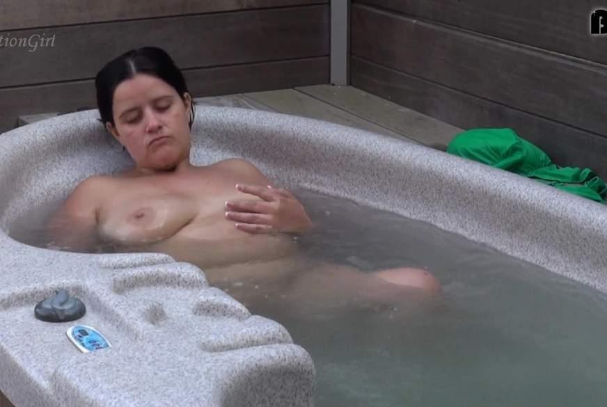 P****n in Whirlpool