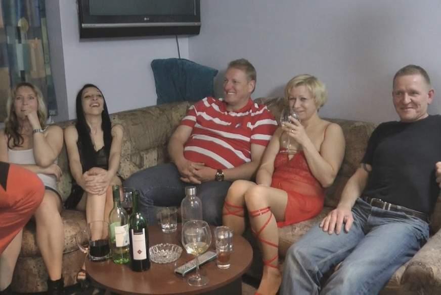 Heiße Party, 3 Frauen und 7 Männer