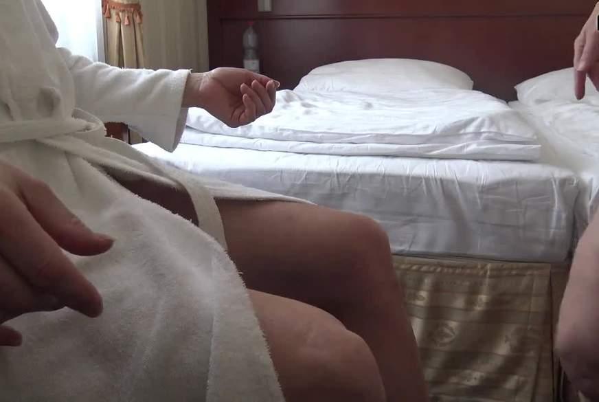 Im Hotelzimmer b****n
