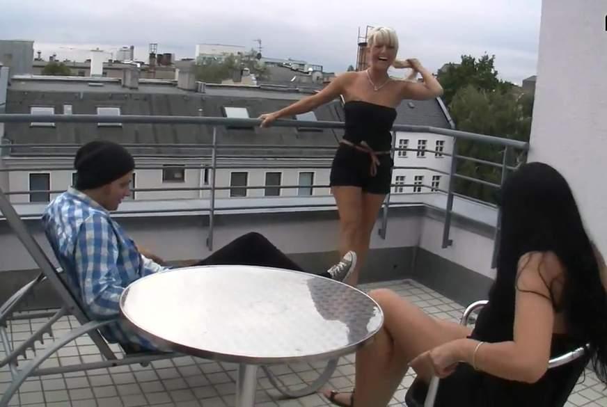2 geile S******en über den Dächern Berlins !!!