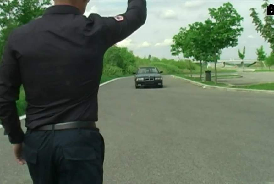 Polizeikontrolle: Bitte b****n
