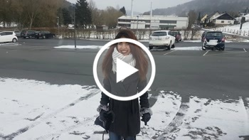 Kim-Rose: OUTDOOR-PISS Meine Fotze erfriert!!