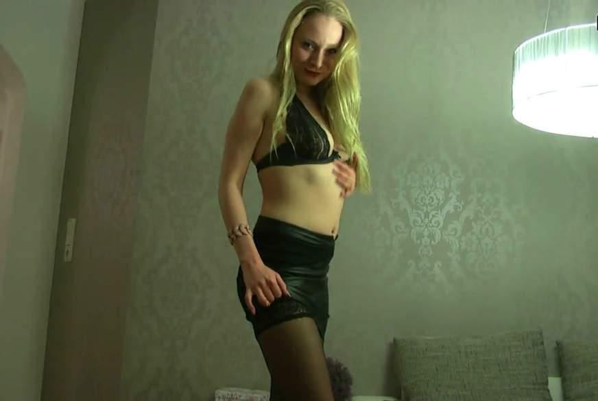 Sexy in Dessous - Nasser Slip, f****ter Nylon