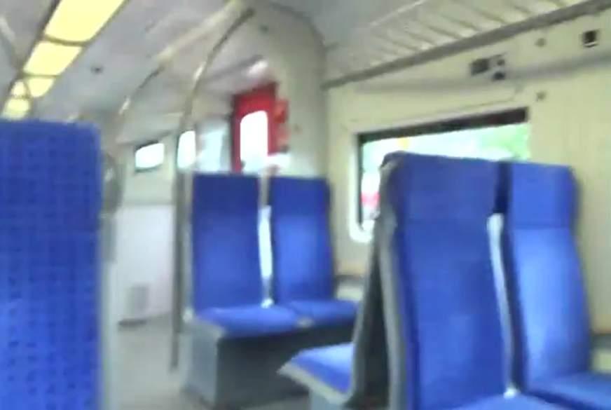S-Bahnfahrt mit 2 x S****a mitten ins Gesicht