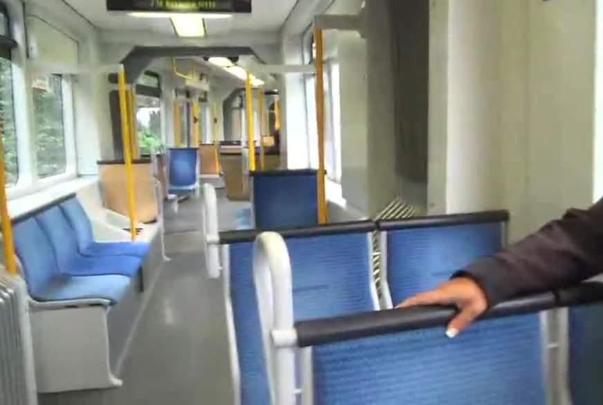 SKANDALÖS !  M**f.p**st-in-die-S-Bahn