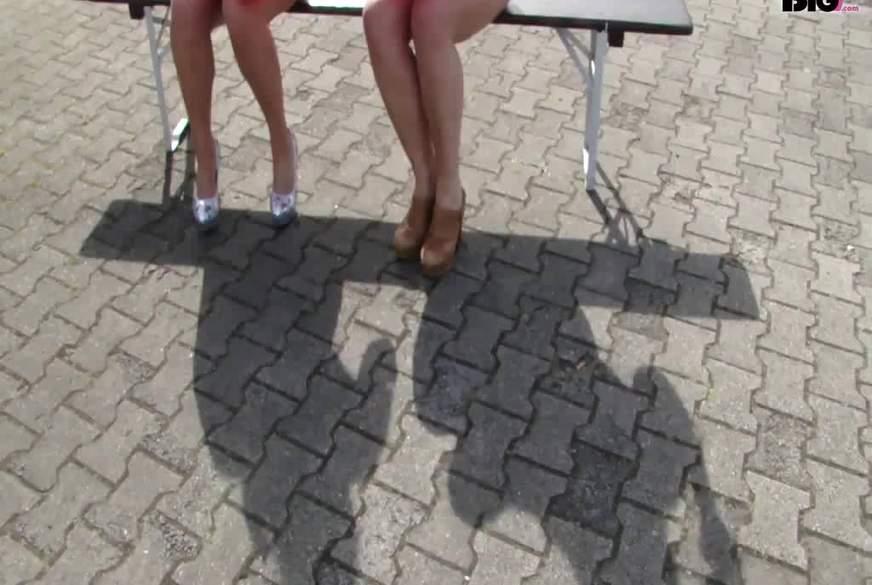 P**p den Ballon - SwimSuit Sisters
